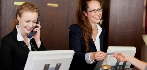 شركة الاسمر للإستقدام الأسرع توفر لكم موظفين وموظفات إستقبال  من جنسية مغربية.