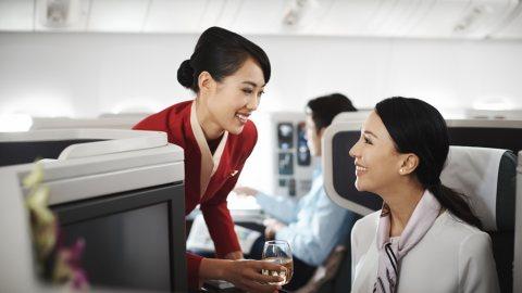 طاقم مضيفات ومضيفين طيران جاهزين للإستقدام عبر شركة الأسمر من المغرب