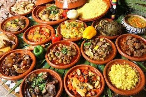 طباخات من المغرب متخصصات في الحلويات والاكلات المغربية للإستقدام.