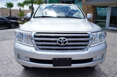 2011 TOYOTA LAND CRUISER SUV.
