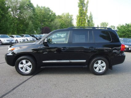 2013 Toyota Land Cruiser V8 Full option