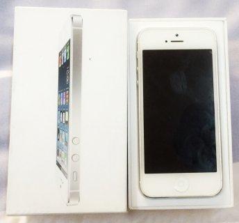 ايفون 5 للبيع سعة 32 GB