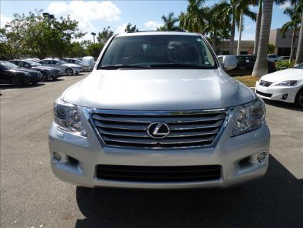 FULL OPTION 2011 LEXUS LX 570,V8.
