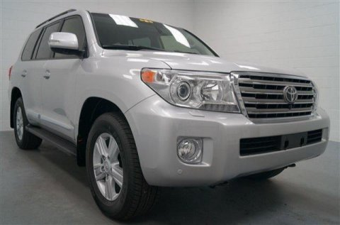 Looking to sell my Toyota Land Cruiser 2013 Silver