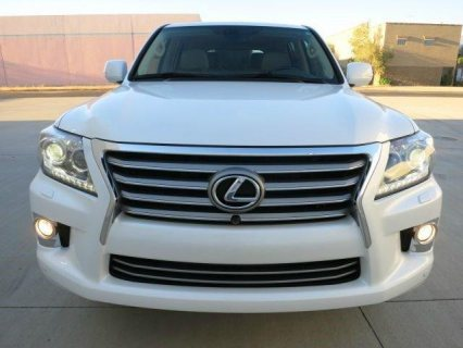 lady driven lexus lx 570 suv (gcc specs)