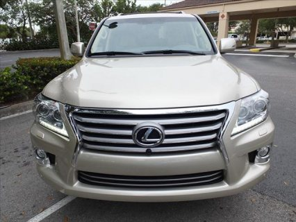 For sale GCC 2013 Model Lexus LX570 Gulf