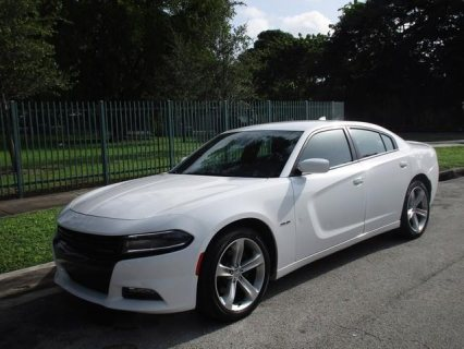 2016 Dodge Charger SE - SE 4dr Sedan......whatsapp +2347016929123